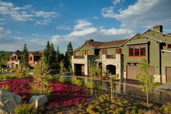 listing_393-355_Snowcreek-Resort
